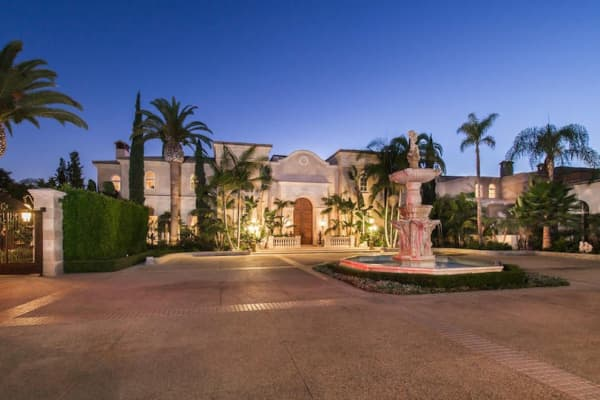 12 bedroom home in Beverly Hills, Calif.