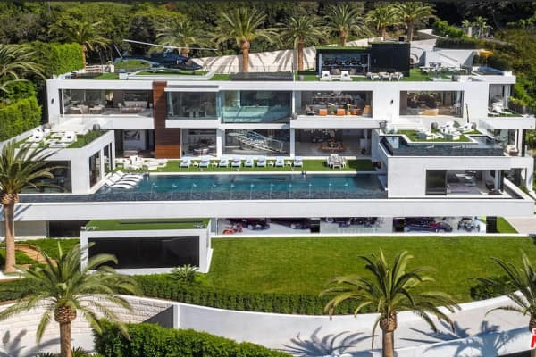 48 Of The Most Elaborate Expensive Homes For Sale In America Right Now Extraordinary 12 Bedroom House