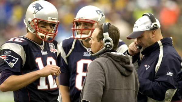 Here's how Patriots coach Bill Belichick makes decisions under enormous pressure