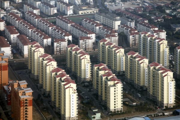 An aerial view of a large housing complex in Shanghai, China