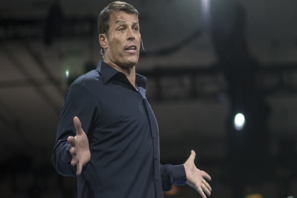 The best investors in the world share these traits, says Tony Robbins
