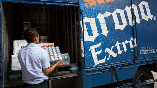 A worker from Constellations Brands Inc.'s Grupo Modelo subsidiary makes a delivery in the Zona Rosa neighborhood of Mexico City.