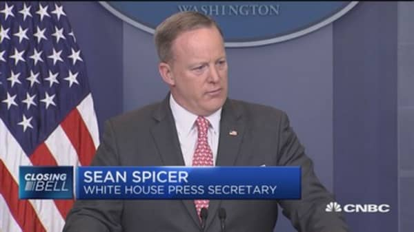 Spicer: Not taking anything off the table on North Korea