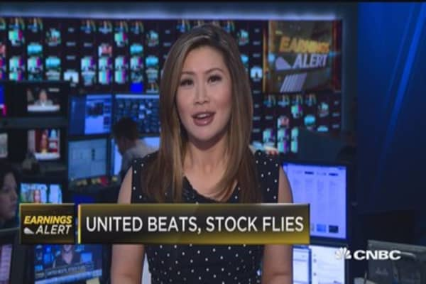 United beats, stock flies
