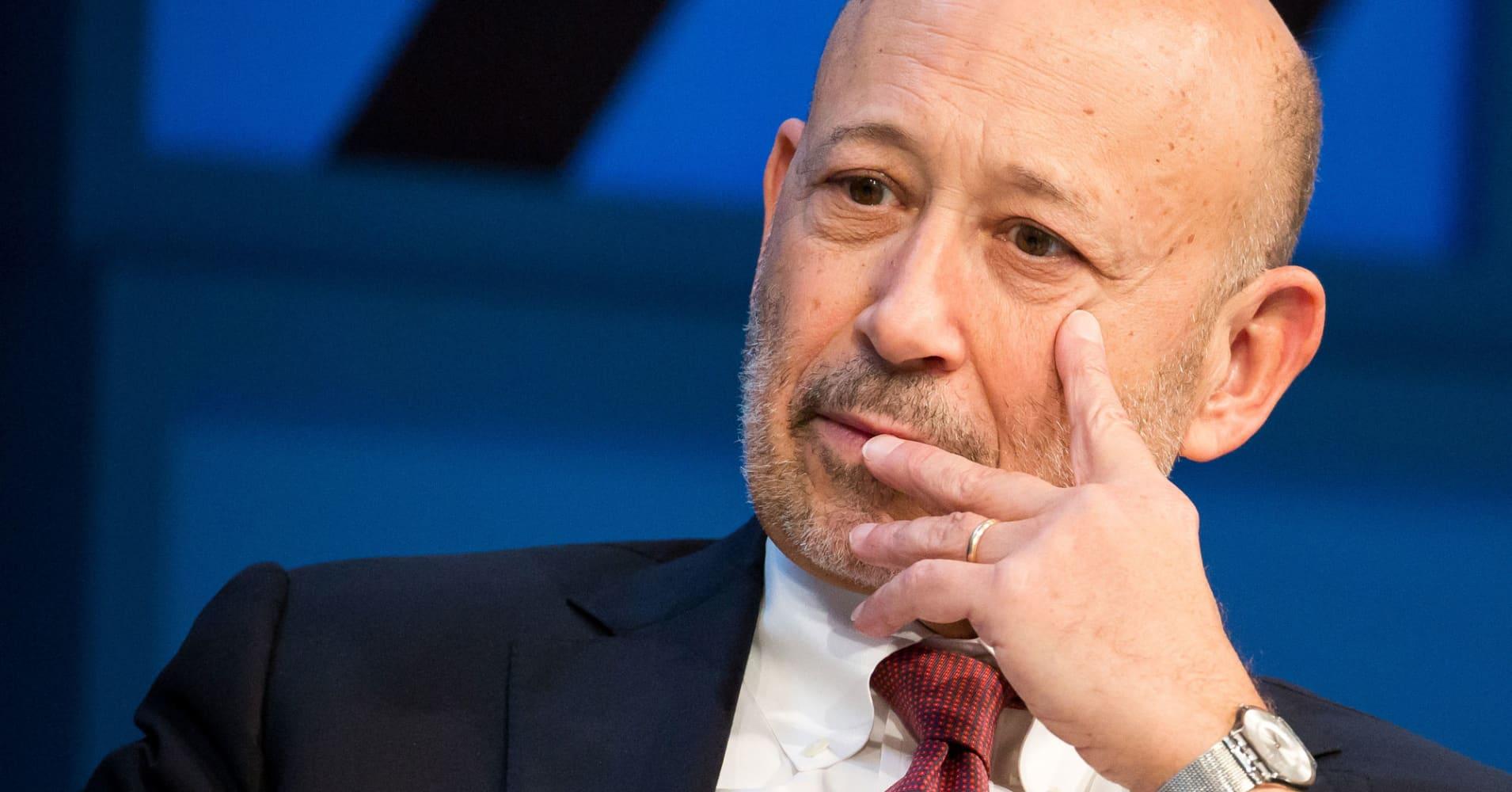 Goldman earnings top Street but bank reports 'shocking' 50% drop in bond trading revenue