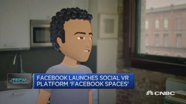 Smartphone at the heart of Facebook's reality push, for now