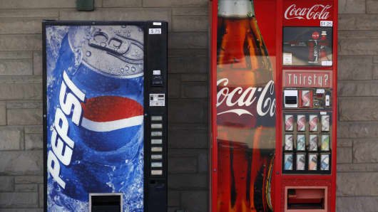 Harvard researchers say soda and sports drinks increase risk of dying from heart disease and breast and colon cancers