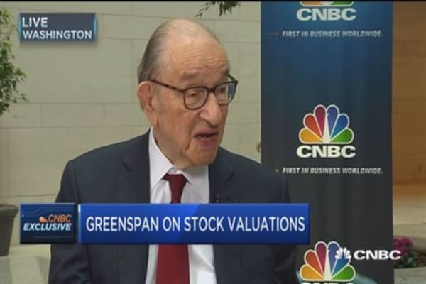 The US can't afford $1 trillion infrastructure spending, warns Greenspan