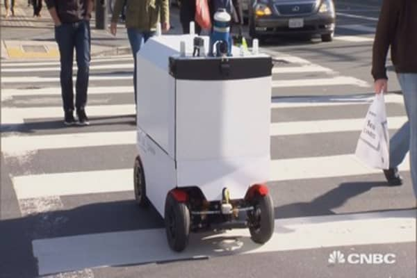 New robots deliver food in San Francisco