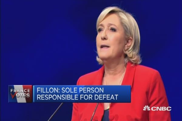 Far-right leader Le Pen to go to second round: Polls