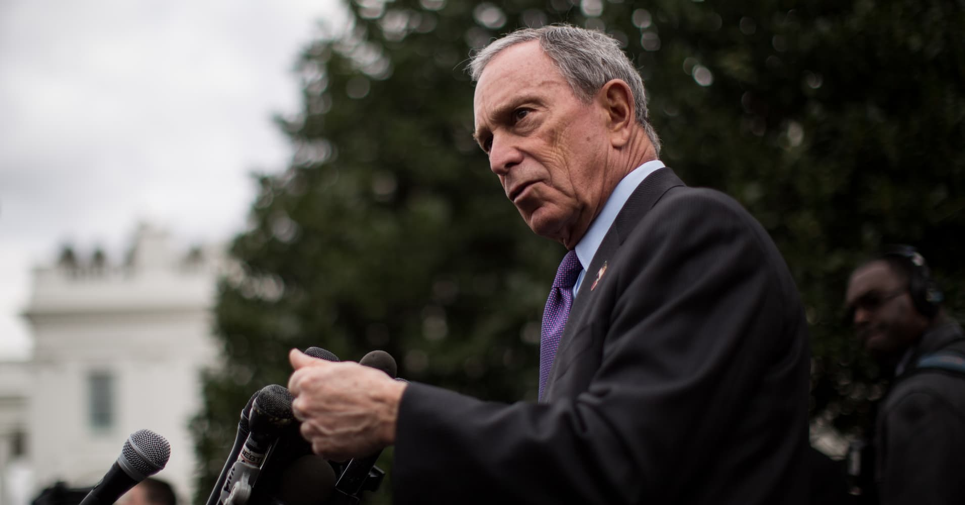 Michael Bloomberg speaks to the media outside the West Wing of the White House after meeting with Vice President Joe Biden, February 27, 2013