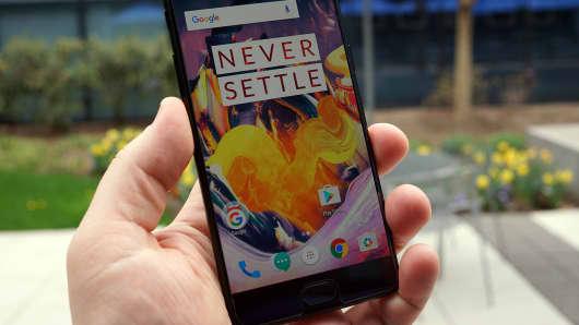 CNCB: OnePlus 3T Midnight Black