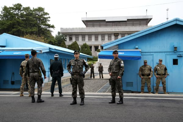 Watch one North Korean soldier make a daring escape to South Korea
