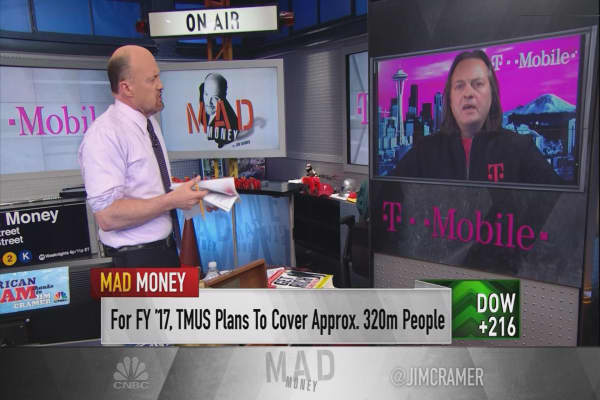 'Dumb and dumber' are key drivers of T-Mobile's success, CEO John Legere says