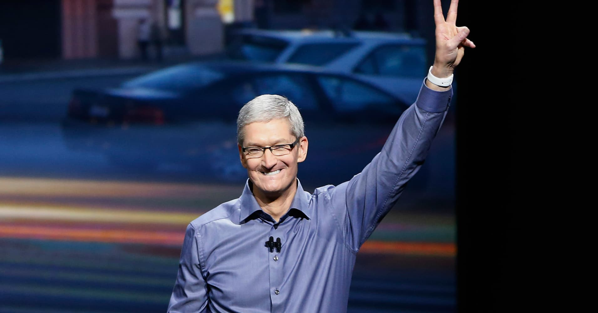 Apple will give $2 million for Charlottesville. Here's how much Tim Cook has donated to human rights