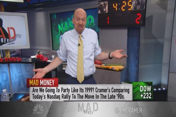 Cramer compares the 2000 dotcom bubble bust to today's market moves