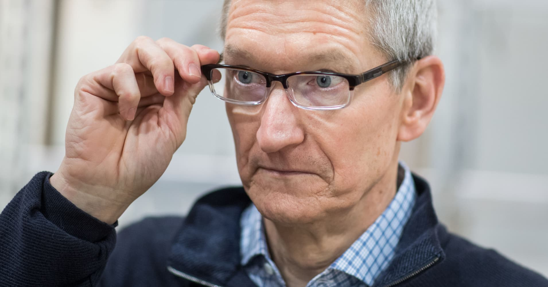 A look at past declines in Apple's stock indicates this rout has further to go