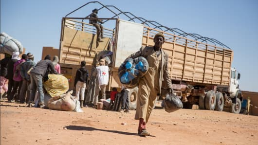 Migrants arriving at IOM's Transit Center in Agadez, Niger.