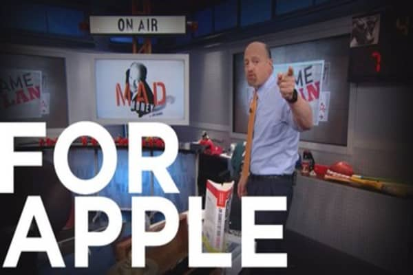Cramer Remix: The truth about Apple ahead of its earnings report