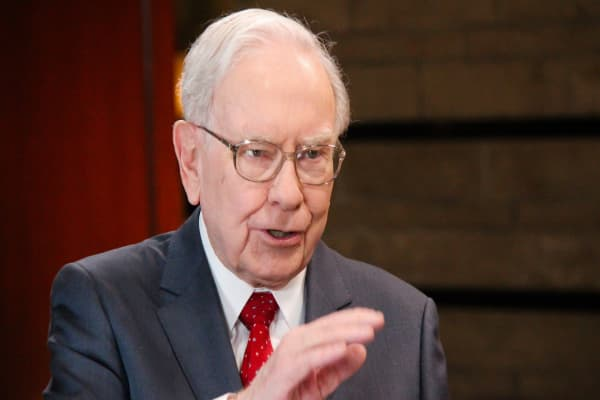 These quotes reveal Warren Buffett's legendary business mind