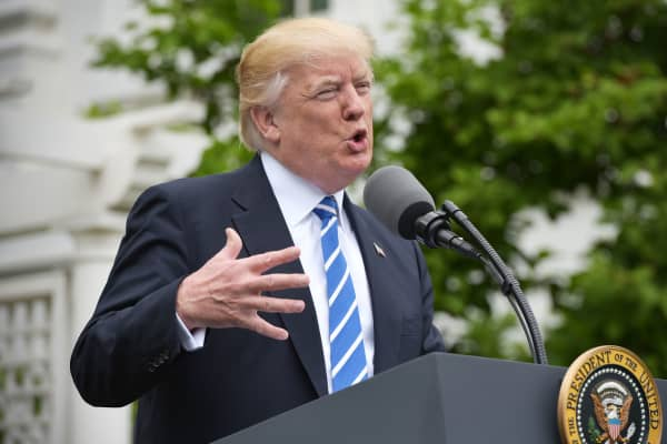 President Donald Trump speaks during an event with Independent Community Bankers Association in the Kennedy Garden of the the White House on May 1, 2017 in Washington, DC.