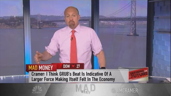 Cramer taps into how Grubhub is changing the game for food chains