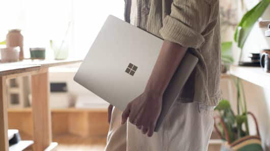 Handout: Surface Laptop 3
