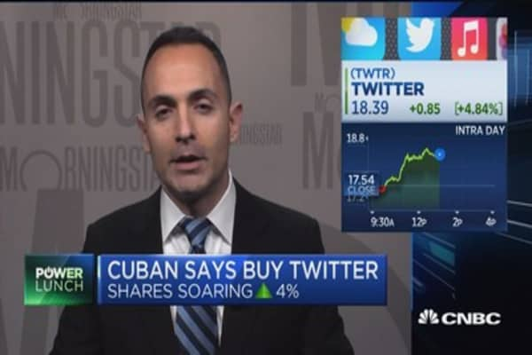 Cuban 'rescues' Twitter shares