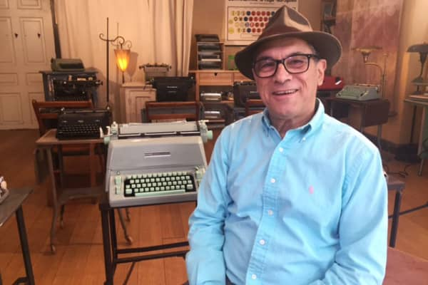 Bryan Kravitz repaired typewriters for a living in the 1970s, and has launched a new business, at age 67, repairing them once again.