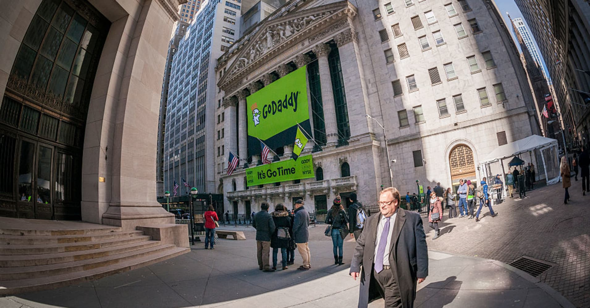 Godaddy Casts Eye Outside Us Says Asia Key For Expansion With Mobile