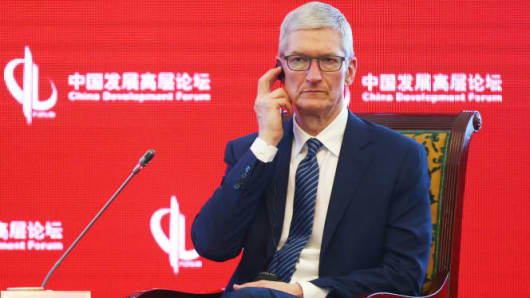 Apple's China woes continue as iPhone sales fell last quarter