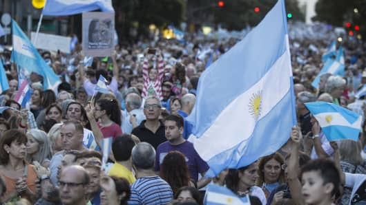Thousands gather to attend a march in support of President Mauricio Macri and his government at Plaza de Mayo in Buenos Aires, Argentina on April 1, 2017.