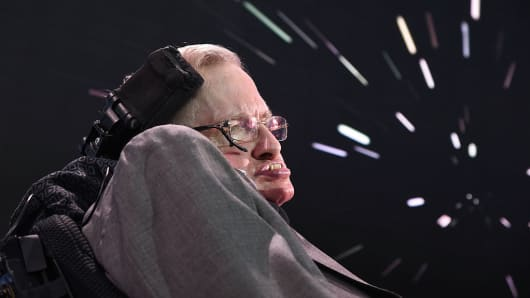 Stephen Hawking Warns AI Might Capture the World, 'Replace Humans Altogether'
