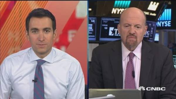 Cramer: Warren Buffett shares sell 'devastating' for IBM