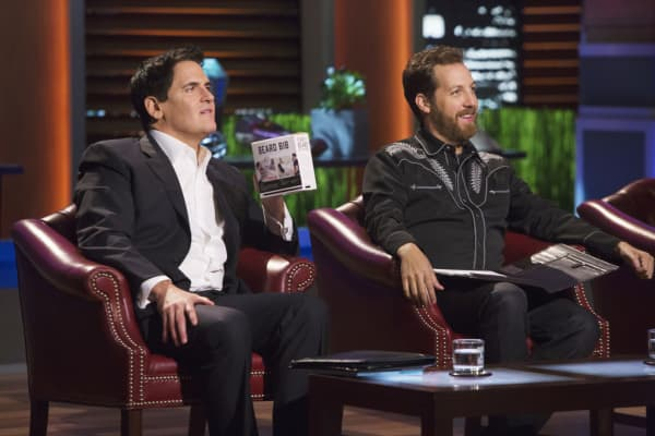 chris sacca told a 39 shark tank 39 behind the scenes secret. Black Bedroom Furniture Sets. Home Design Ideas