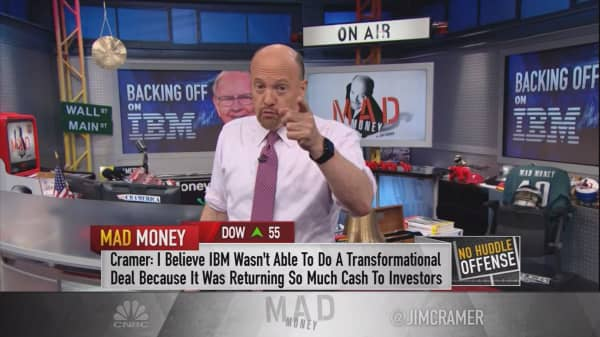 Cramer: With Buffett scaling out, here's the transformational thing IBM could do next