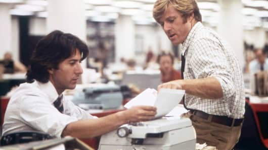 "Actors Robert Redford and Dustin Hoffman on the set of ""All The President's Men,"" based on the book by Carl Bernstein and directed by Alan J. Pakula."