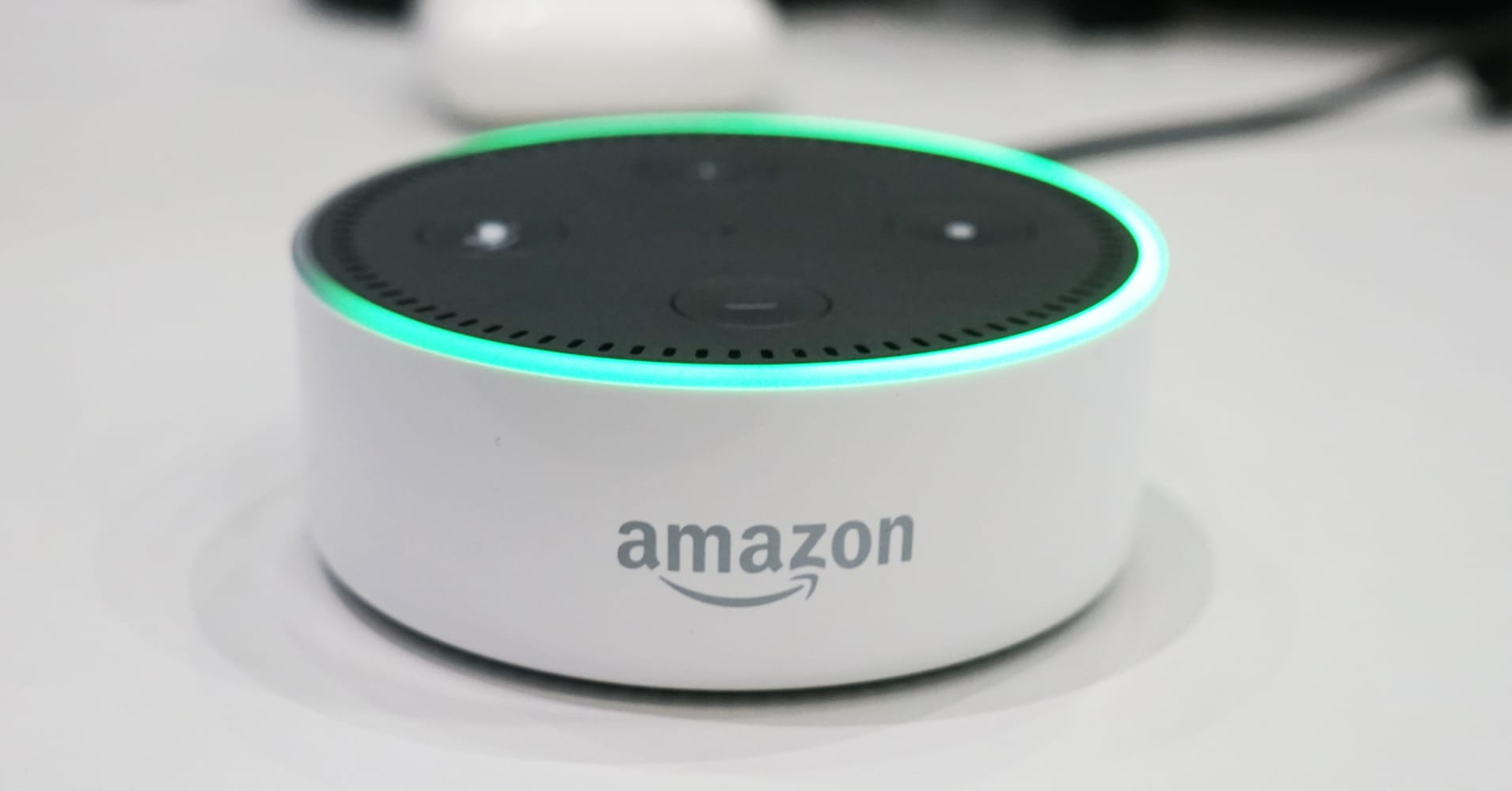 Here's what all of the lights on your Amazon Echo mean, and how to turn them off