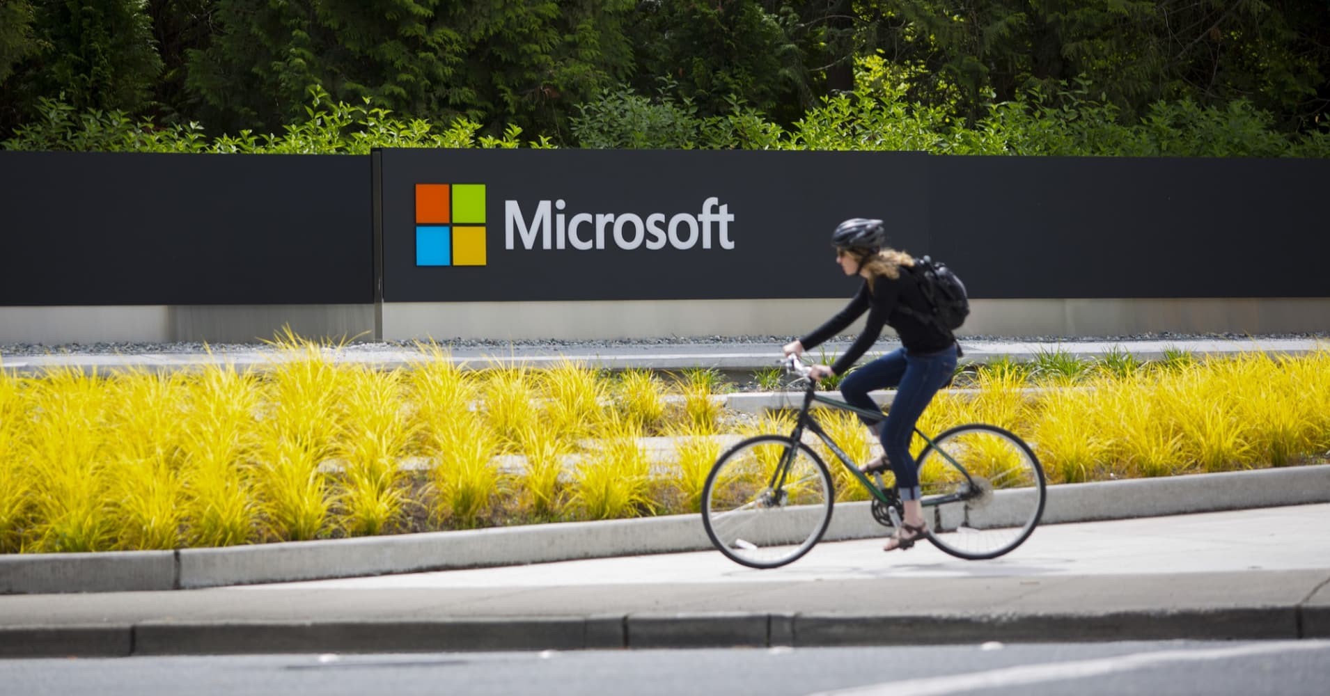 Microsoft will ride artificial intelligence, cloud computing to higher share price, Morgan Stanley says