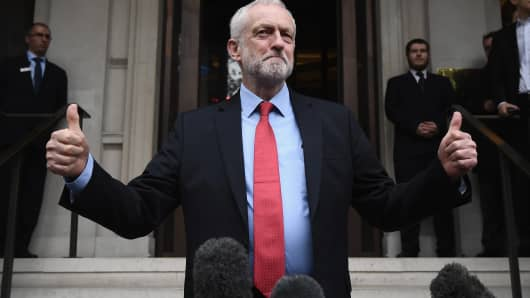 Labour leader Jeremy Corbyn speaks to the media following a party meeting on May 11, 2017 in London, United Kingdom.