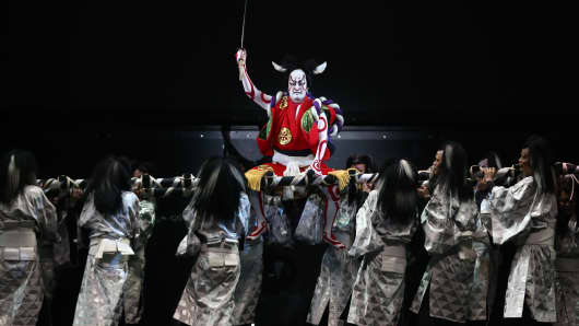 Kabuki actor Shido Nakamura (in red) performs in a final dress rehearsal for the kabuki theatre show 'Hanakurabe Senbonzakura' on April 28, 2016 in Tokyo, Japan.
