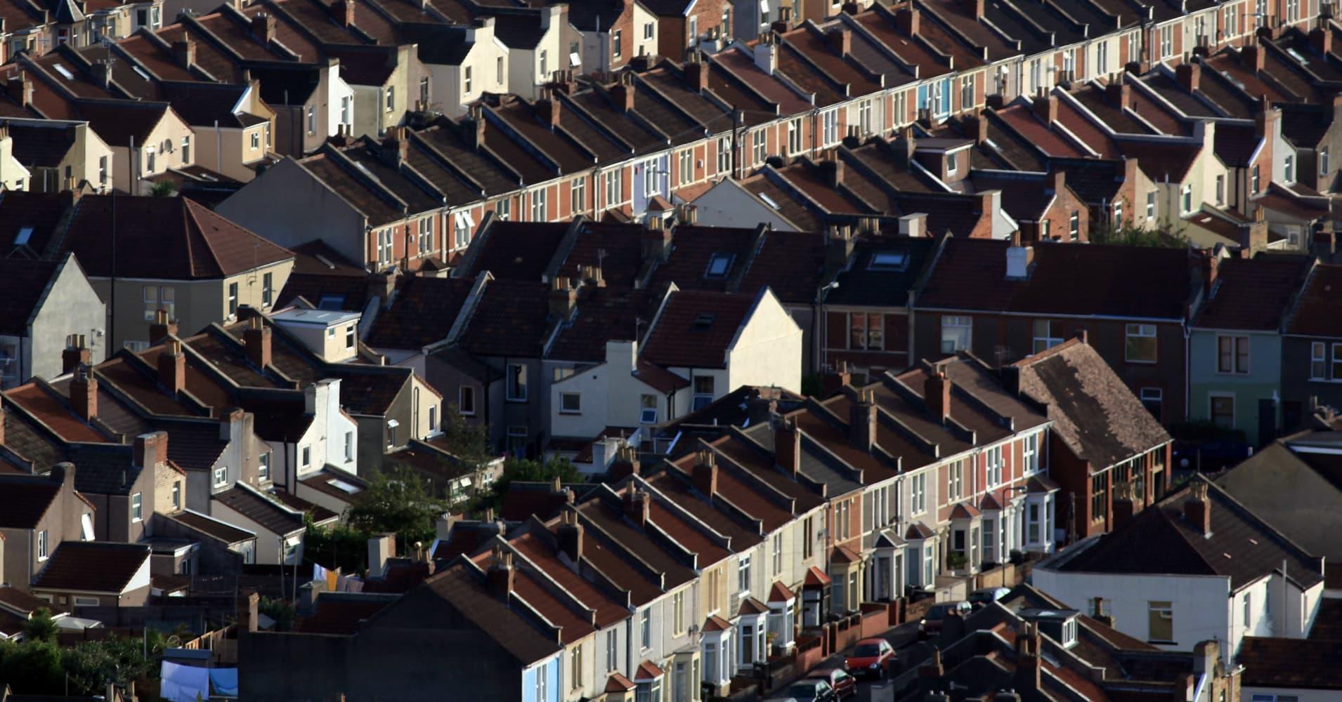 UK house sales outlook weakest in 20 years as Brexit nears