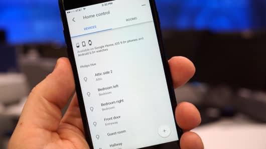 CNBC Tech: Google Assistant iOS 12