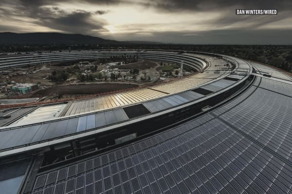 These are exclusive photos of Apple's new spaceship-like headquarters