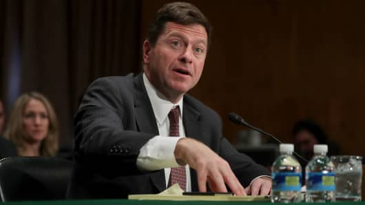 Senators ask SEC to review and update cyber breach disclosure rules