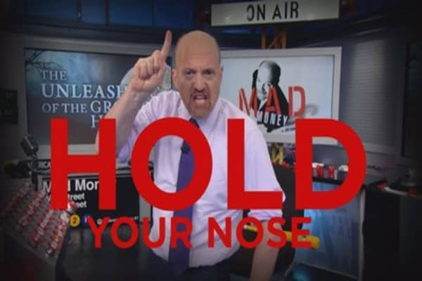 Cramer Remix: The stink of Washington hasn't thrown off these stocks