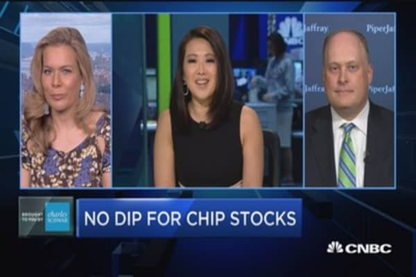 Trading Nation: No dip for chip stocks