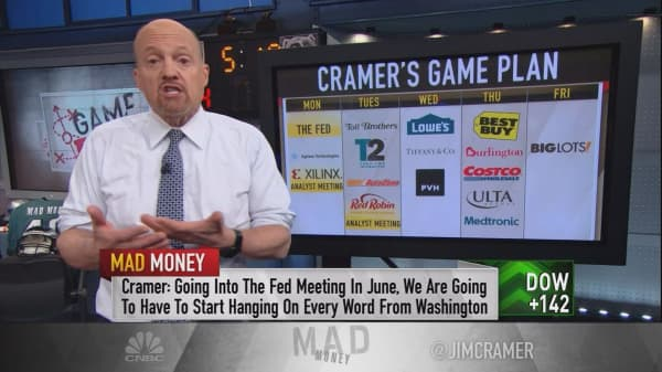 Cramer's game plan: As earnings wind down, look to the Fed