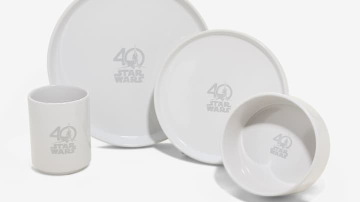 Star Wars dish set.  sc 1 st  CNBC.com & 14 collectibles for the \u0027Star Wars\u0027 40th anniversary