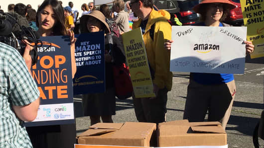 Protests of Amazon's ads on Breitbart